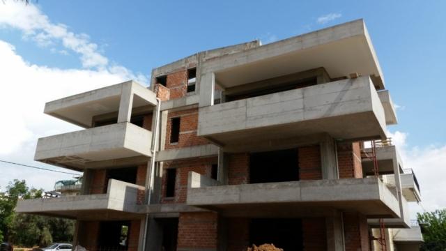 κατασκευές σπιτιών πολυκατοικιών